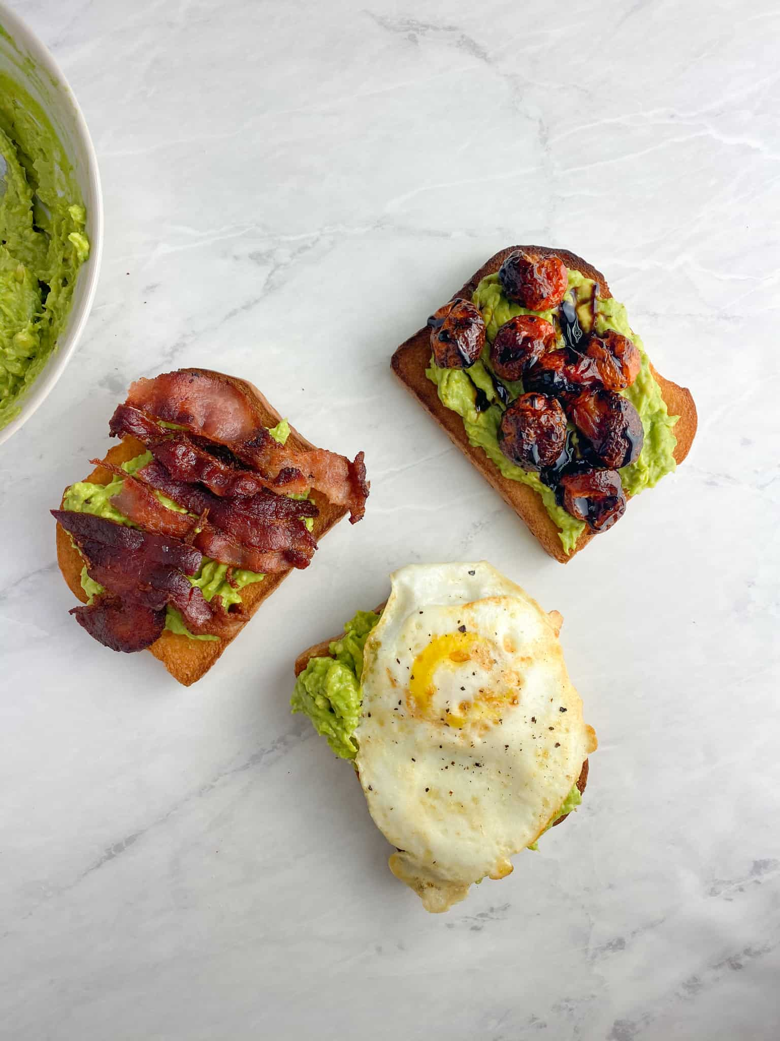 Avocado Breakfast Toasts